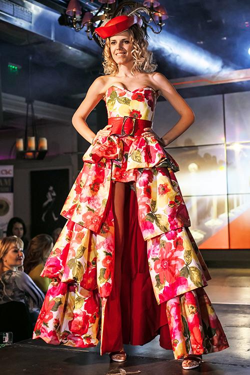 Вечерна рокля Famous